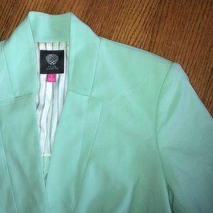 Gorgeous 😍 mint Vince Camuto blazer.